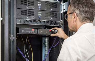 Accès d'un technicien à un data center